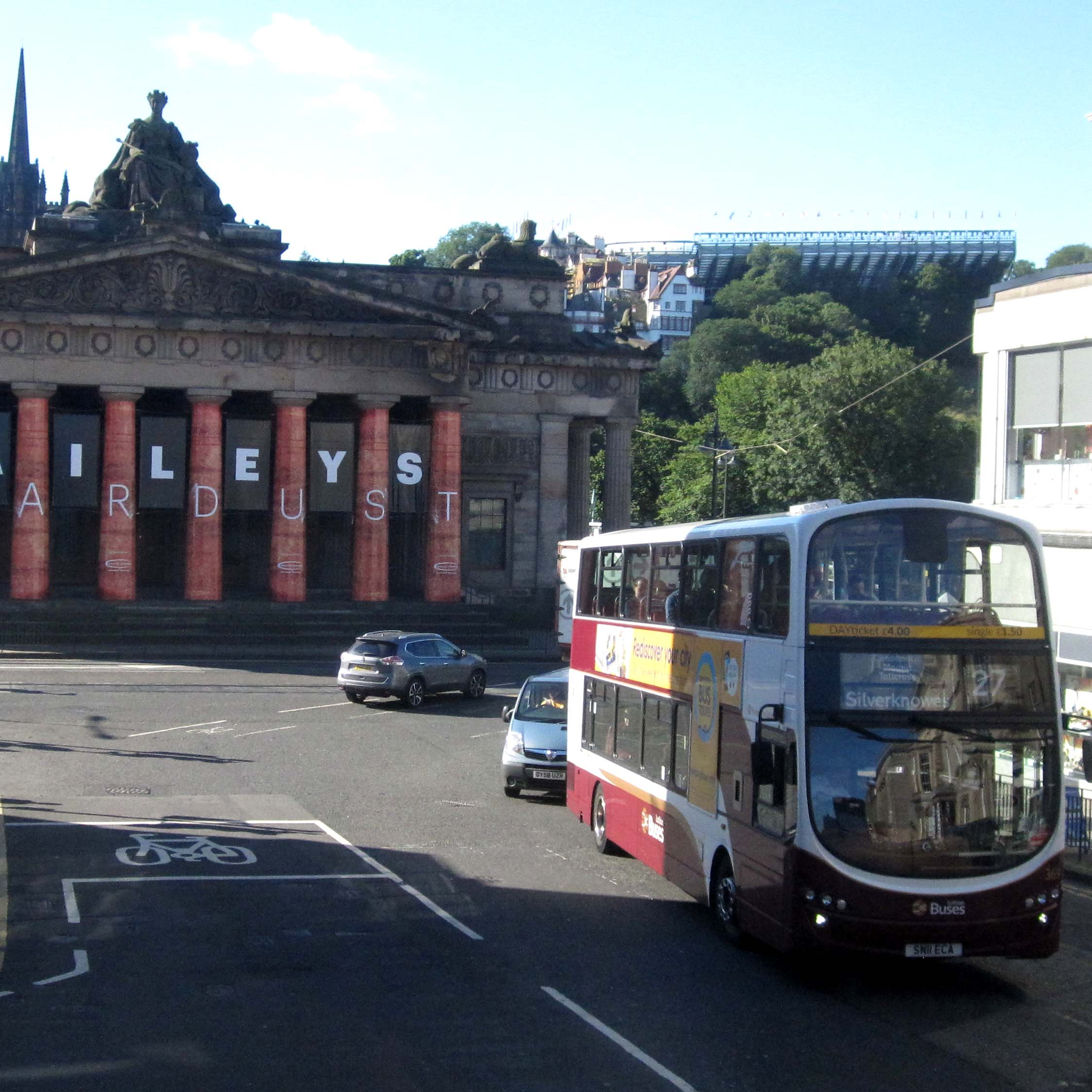 Light Shop In Edinburgh: Get Around Edinburgh On Public Transportation